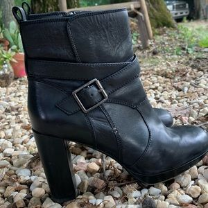 EUC Clark's Ankle Boots Booties